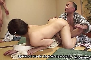 Juicy pussy babe loves getting plowed in a hot threesome