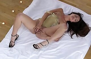 Vip  orgasming  ,  shaved puss  ,  solo xxx   sex videos