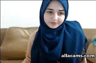 sexy Hijab cam girl
